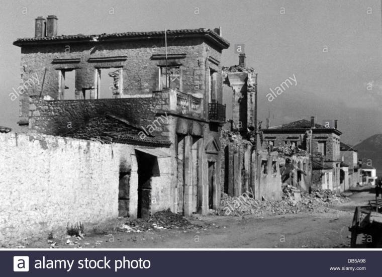 events-second-world-war-wwii-greece-balkans-campaign-1941-ruins-in-DB5A98